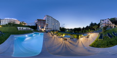 Grand Hôtel de la Grotte - piscine nuit, Lourdes
