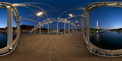 Paris - passerelle Debilly