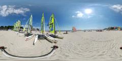 La Baule - plage voiliers jaunes