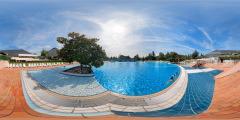 Les Pyramides — Bougival —piscine