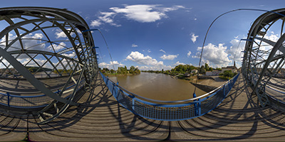 Brannes —le pont Eiffel, sur la Dordogne, a été érigé en 1911