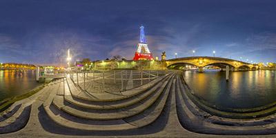 La Tour Eiffel aux couleurs du drapeau français